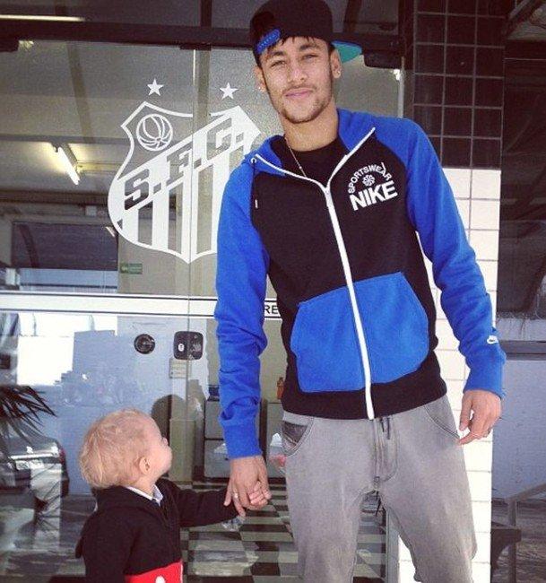 Neymar-David-Lucca-CT-MaradeiDivulgacao_LANIMA20130726_0103_47