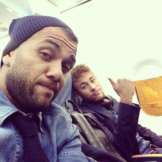 daniel_alves_e_neymar