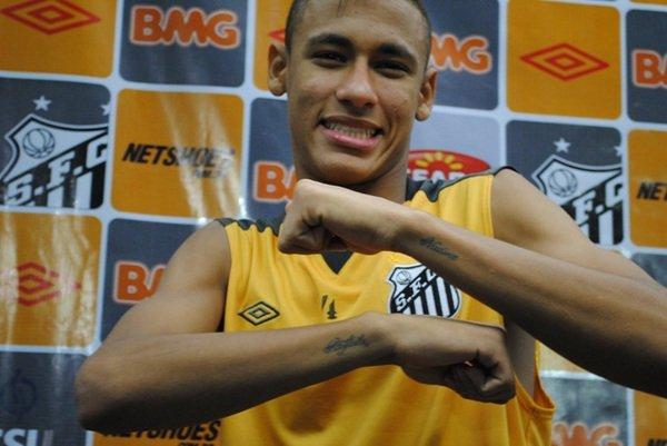 neymar_tatuagem_irma_mae_03