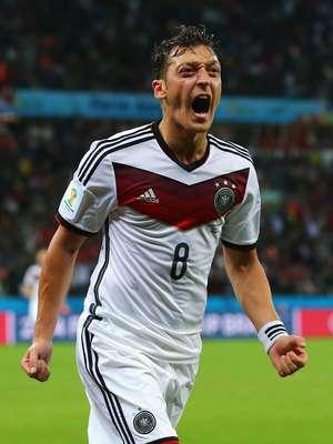 ブラジルワールドカップで見事優勝を果たしたドイツ代表のMFメスト・エジルが優勝賞金をブラジルの恵まれない子供たちに寄付していたことが分かった。
