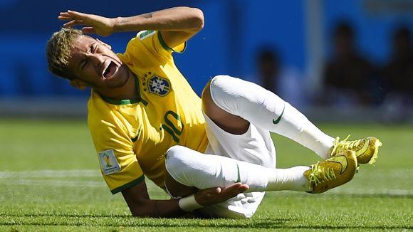neymar-falta