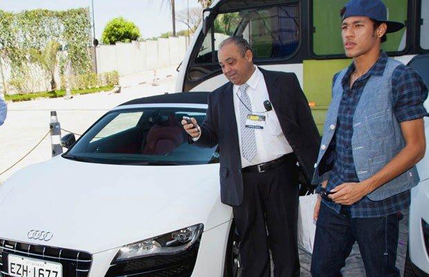 neymar_carro2
